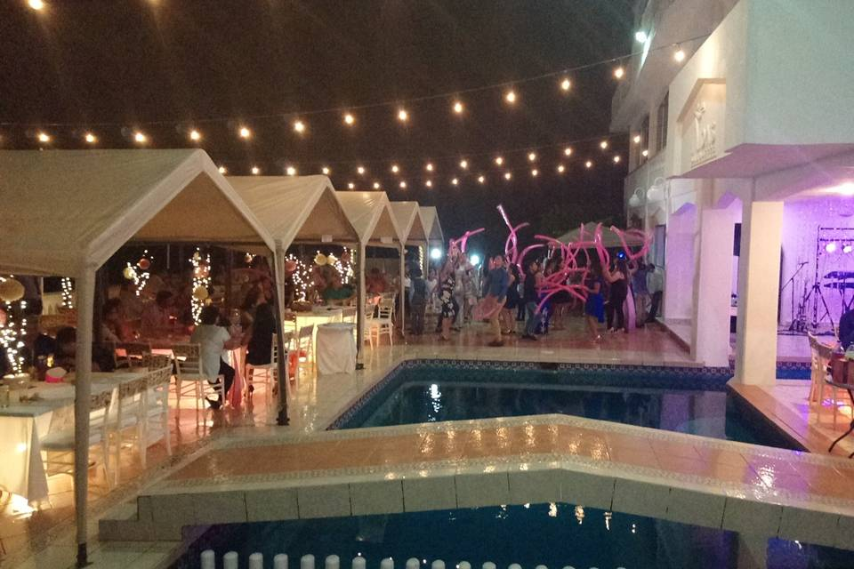 Aida's Banquetes 40