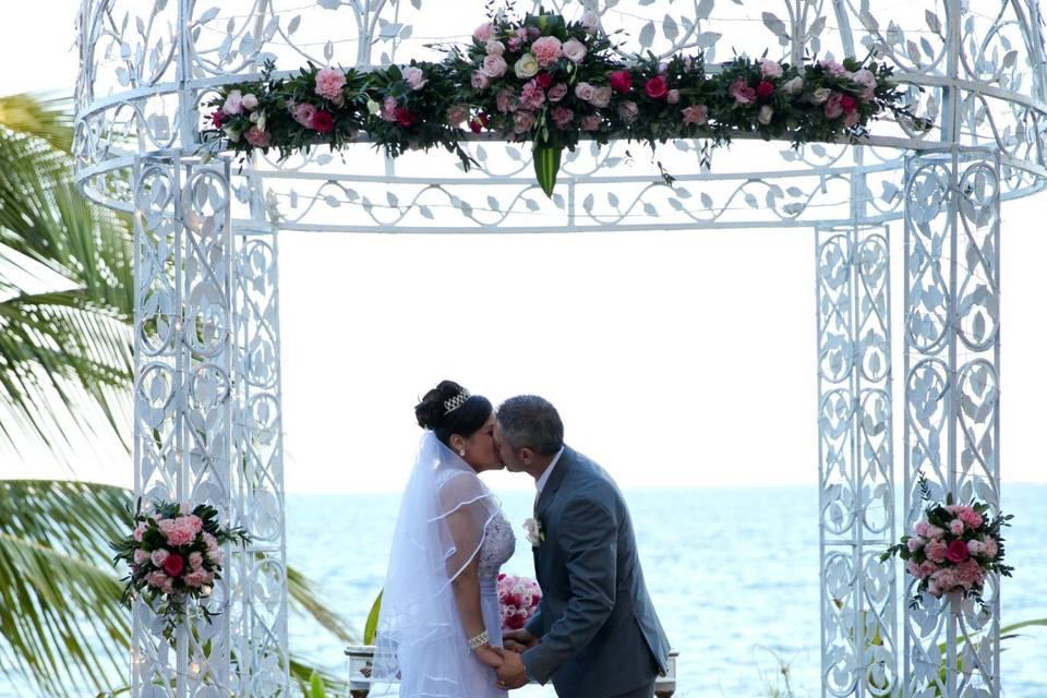 Ocean Weddings 22