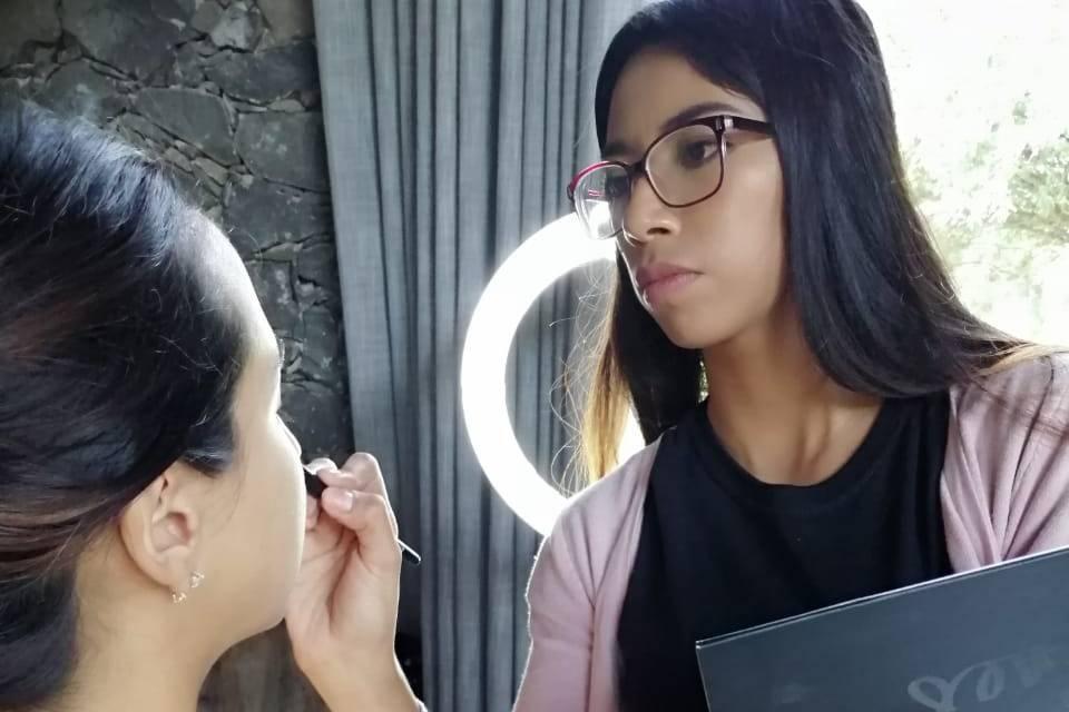 Kavana Maquillaje Profesional 14