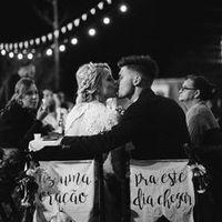 me parecen tan románticas las fotos así desde atrás con los letreros