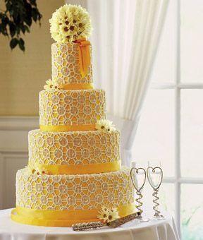 Pastel de bodas con toques amarillos 8