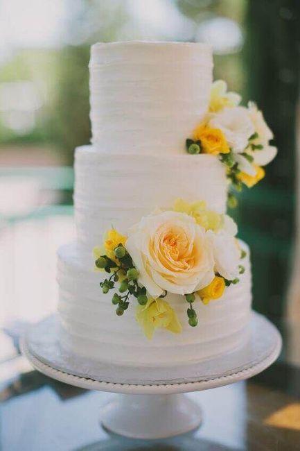 Pastel de bodas con toques amarillos 10