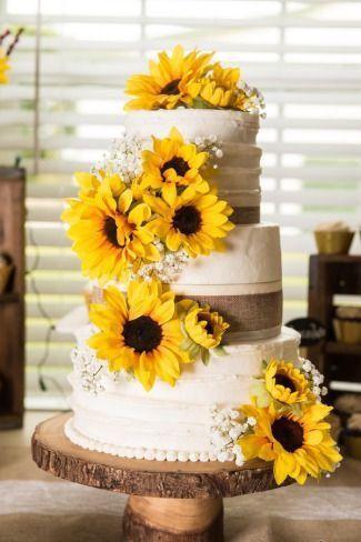 Pastel de bodas con toques amarillos 11