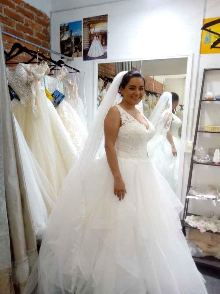 Mi vestido de novia es… - 1
