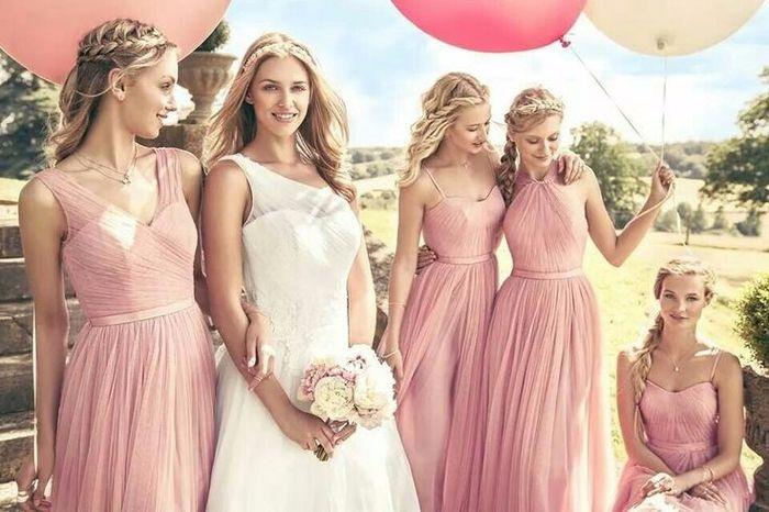 Qué vestido escogerías para tus damas de honor?