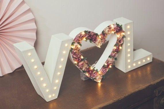 Letras decoradas con flores foro manualidades para bodas - Letras luminosas decoracion ...