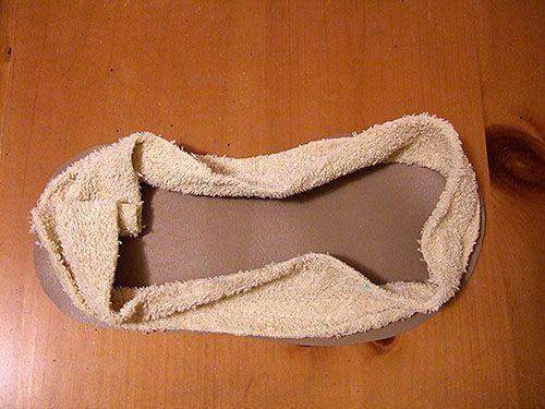 Cómo hacer pantuflas con una toalla reciclada 9