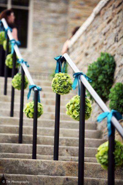 Adornos para escaleras fotos organizar una boda for Escaleras de adorno