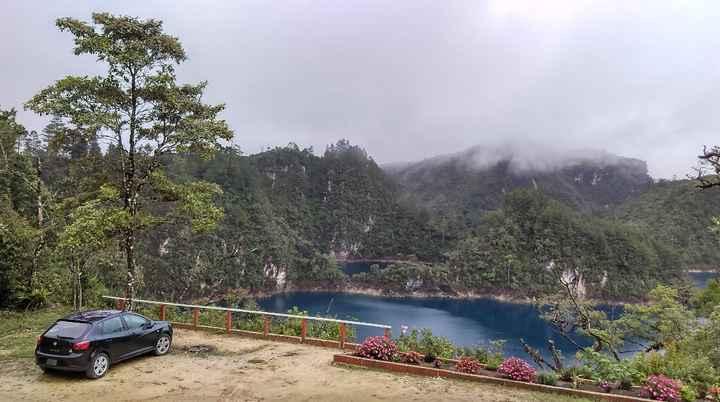 Al abrir la puerta que da al lago nos encontramos con una vista hermosa.