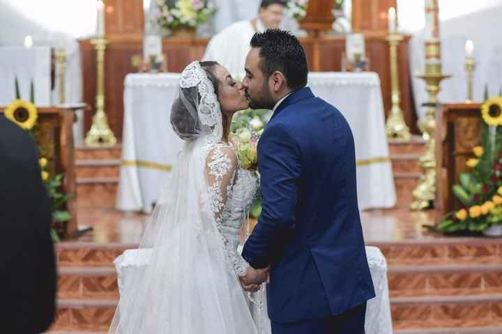 Nuestro 1er beso de esposos