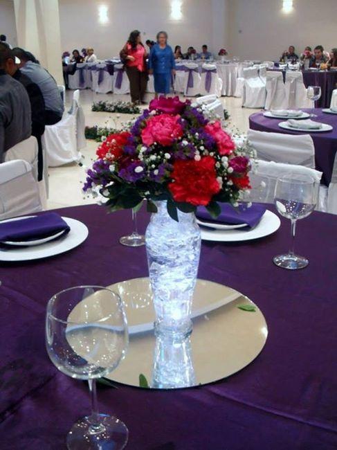 Flores naturales o artificiales para los centros de mesa for Centros de mesa artificiales
