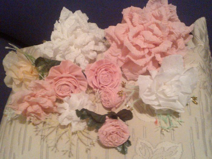Rosas de papel crepe y china foro manualidades para - Decorar con papel ...