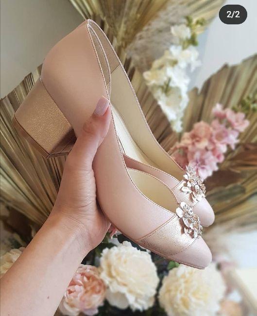 ¿Ya compro los zapatos?  🤯 1