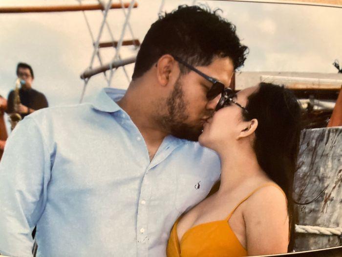 Muestren su beso favorito con su Fm/esposo 2