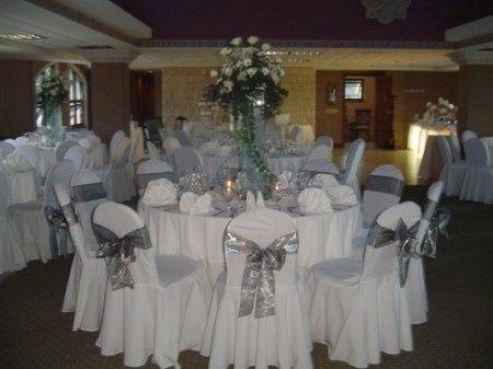 Decoraci n para boda en blanco y plata foro organizar - Decoraciones en color plata ...