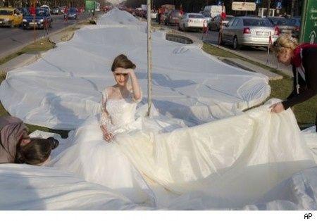 Vestido de novia cola mas larga del mundo