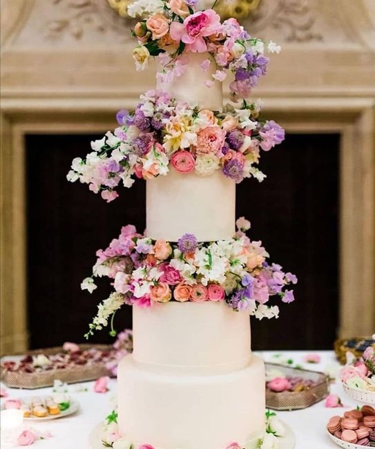 Pasteles de boda con flores 6