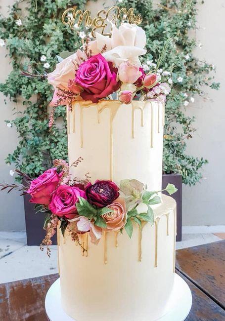Pasteles de boda con flores 15