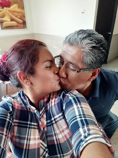 Muestren su beso favorito con su Fm/esposo 9