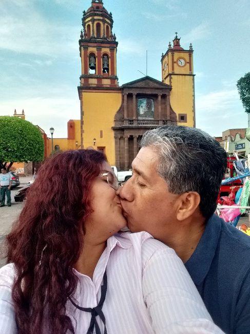 Muestren su beso favorito con su Fm/esposo 10