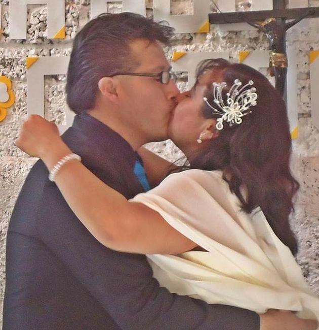 ¿Prohibirías celulares en tu boda? 3