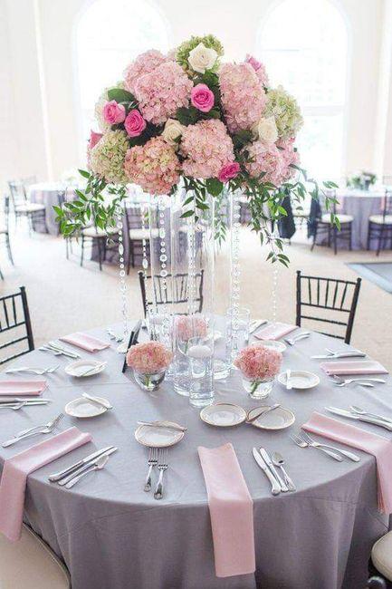Centros de mesa altos en tonos pastel 3
