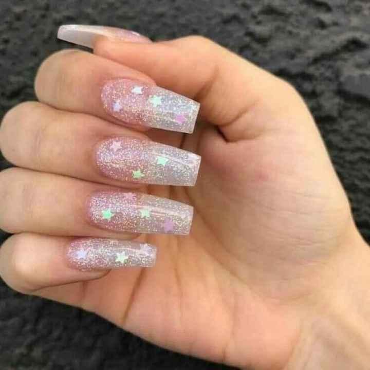 Luna y estrellas en tus uñas - 9