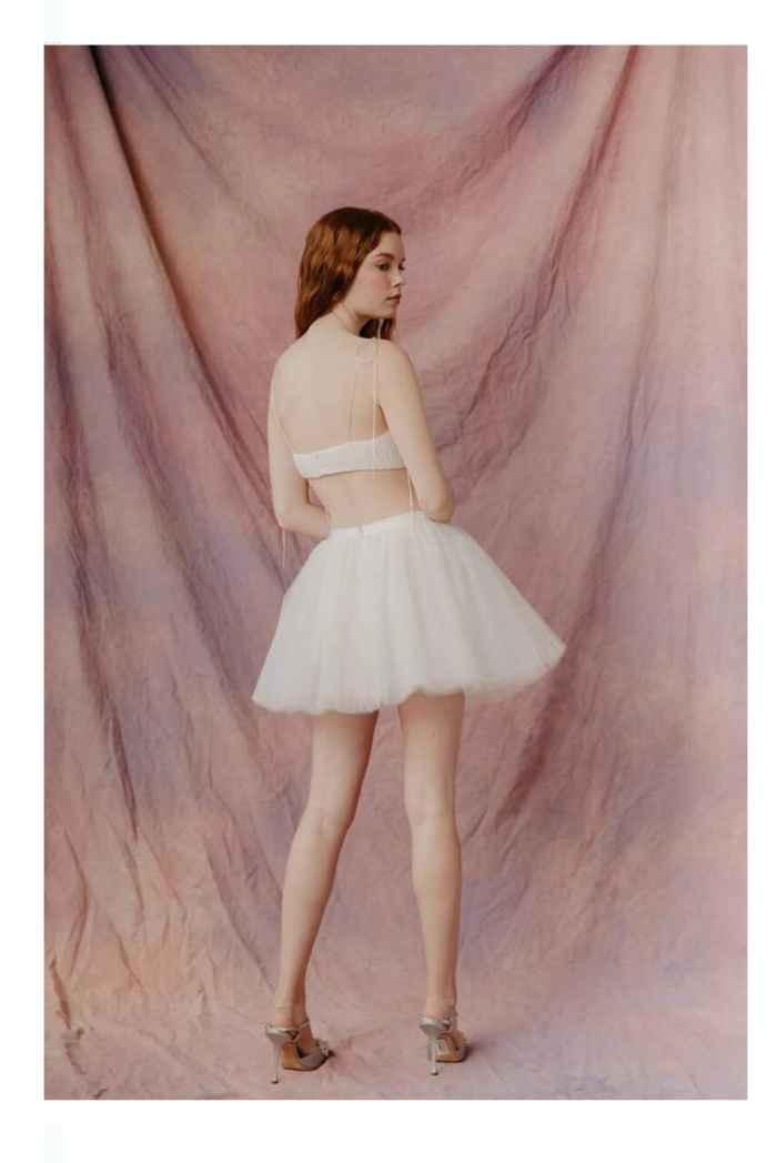 Vestidos colección otoño 2021 Lauren Wells 5