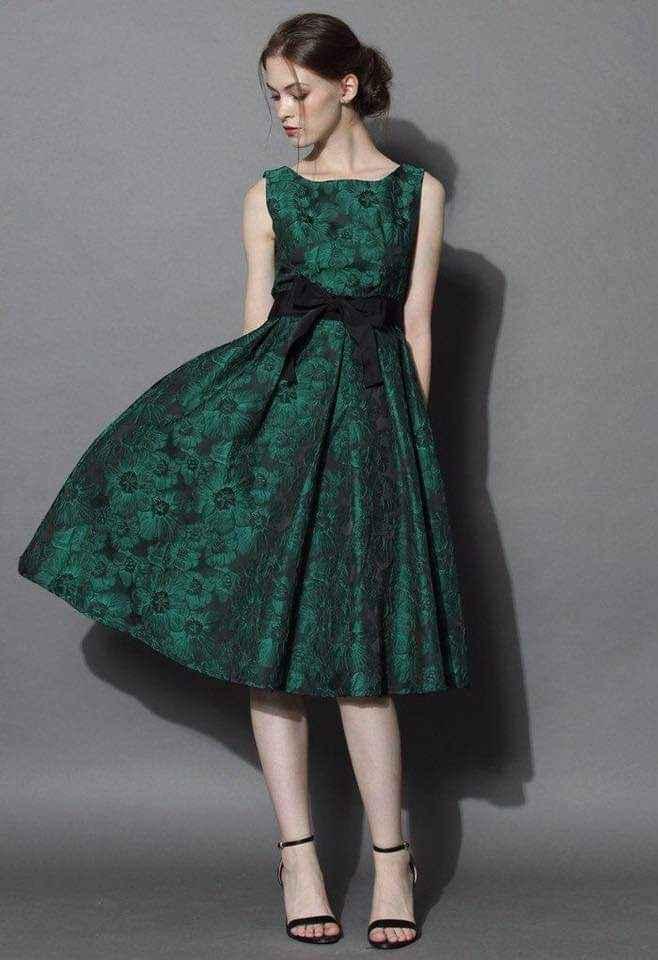 Vestidos para damas con acentos en verde esmeralda 1