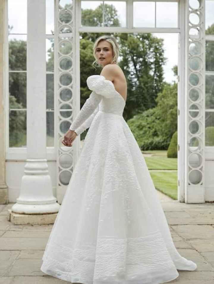 Vestidos colección 2021 Asteria by Sassi Holford 5