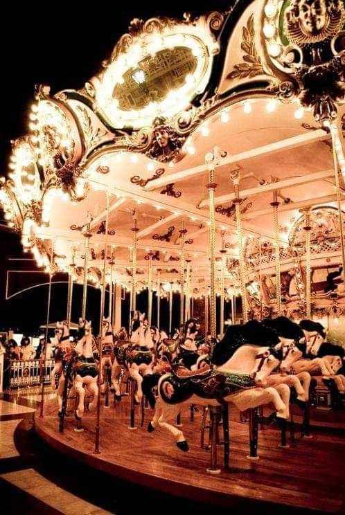 Boda con temática de carnaval 4