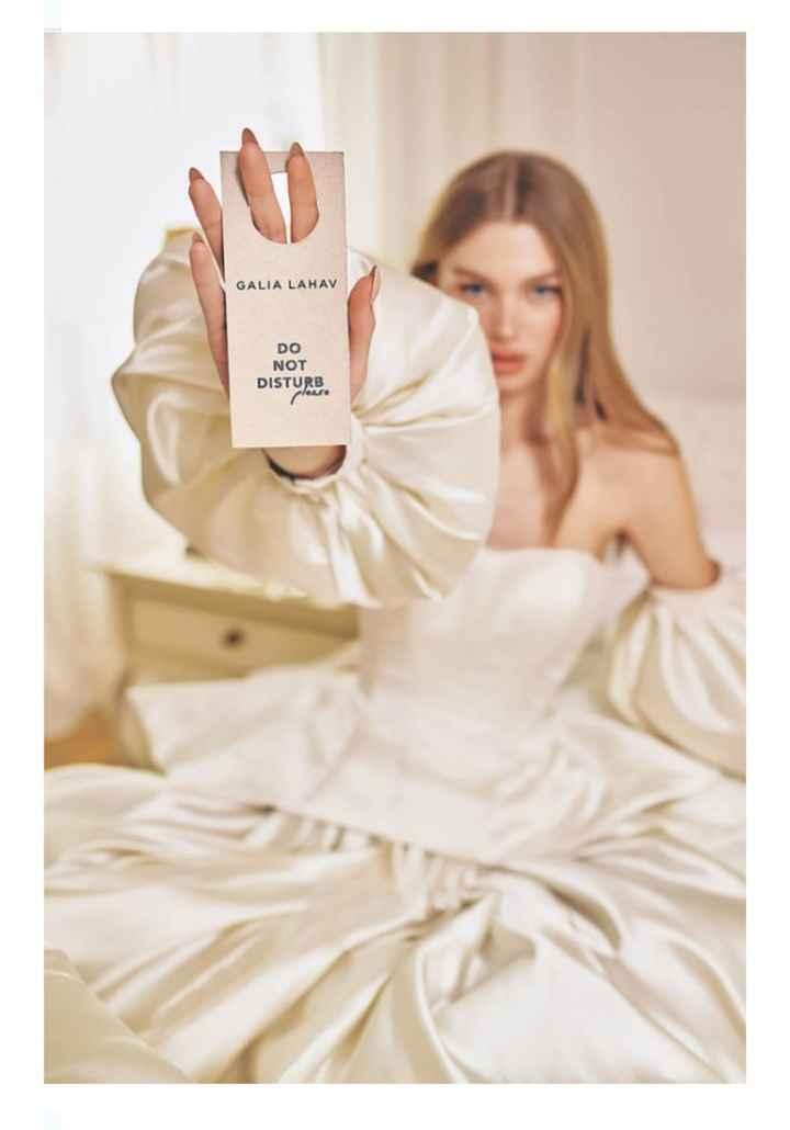 Vestidos colección primavera 2022 Do not disturb by Galia Lahav - 3