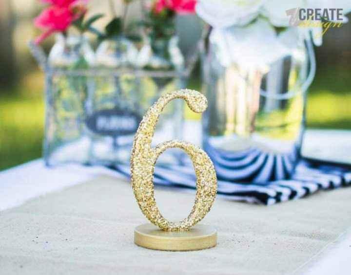En tus mesas:números con glitter dorado - 4