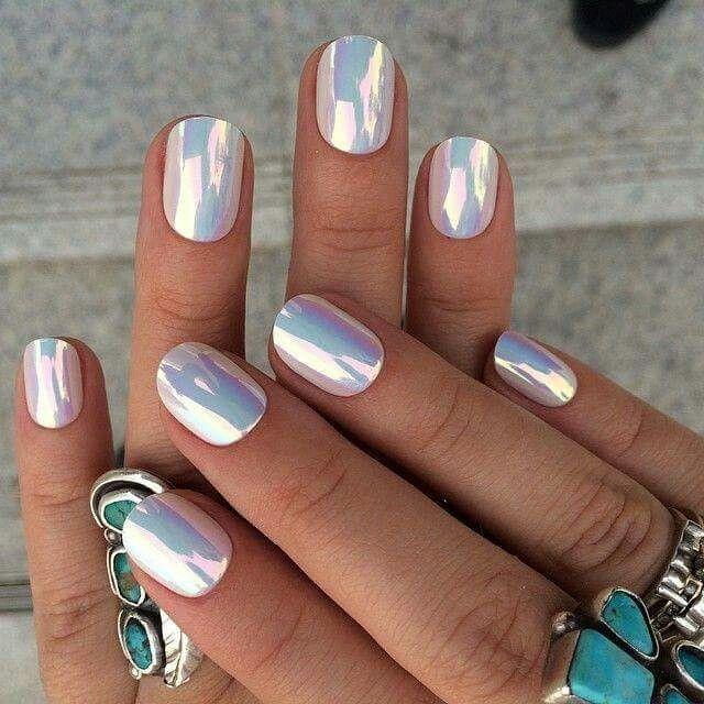 Uñas con efecto espejo - Foro Belleza - bodas.com.mx