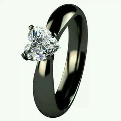 fa9ae053b070 Anillos de compromiso en color negro - Foro Antes de la boda - bodas ...