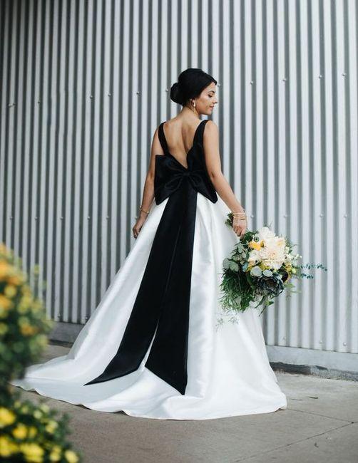 Vestido de novia negro y blanco