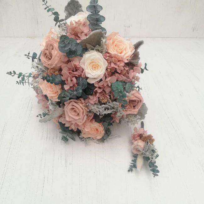 ¿Ramo con flor natural o Artificial? 8