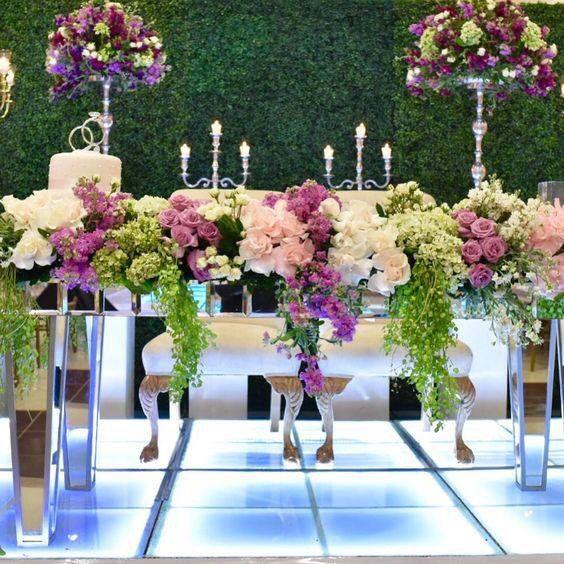 Decoraci n mesa principal foro organizar una boda for Arreglos de mesa para boda en jardin