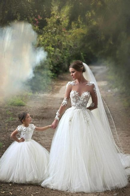 madre e hija: vestidos iguales - foro moda nupcial - bodas.mx