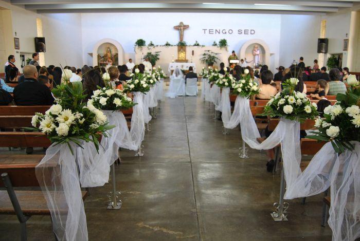 C mo ser la decoraci n de tu iglesia foro organizar for Sillas para novios en la iglesia