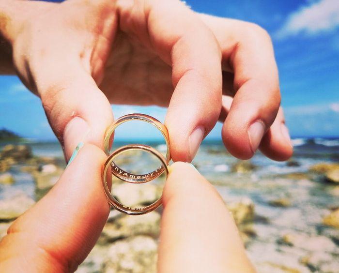 Nuestros anillos en la playa 1