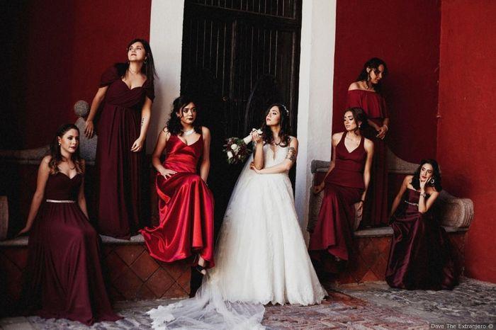 ¿Qué vestido de damas te gustaría más? 3
