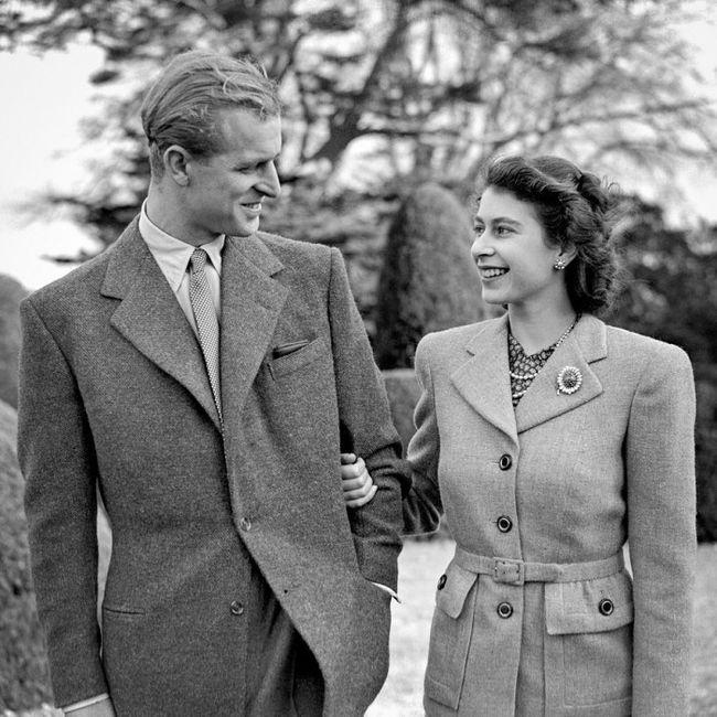 ¡La Reina Isabel II y Felipe de Edimburgo celebran  72 años de casados! 👰🤵 3