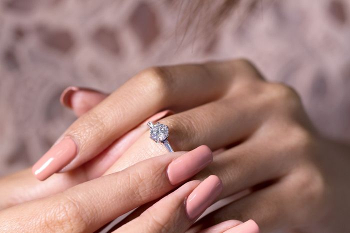 Compromiso: ¿Tenías las uñas arregladas? 3