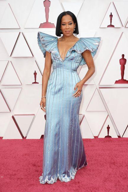 Premios Oscar 2021: ¡No te pierdas los mejores looks aquí! 👗 1