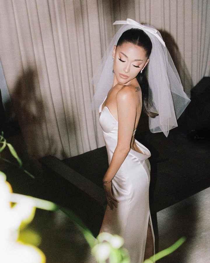 ¡No te pierdas el espectacular vestido de novia de Ariana Grande! - 4