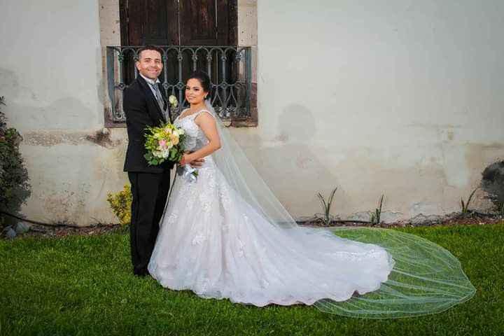 ¿Cuántas ⭐ le das a este vestido de novia?🎁 - 1
