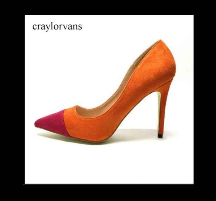 Que les parece estos zapatos para su gran día 🌈 - 2