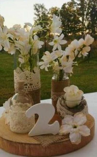 Decoración troncos de madera boda vintage o Rústica. Centros de mesa,base pastel y más. 15