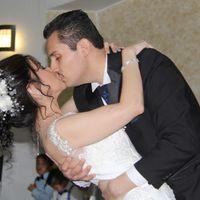 Recuerdo este cuando finalizamos nuestro vals con un beso, mi hermana se ve al fondo con cara de sor